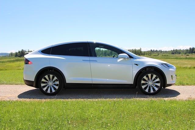 Selling Cars in Tesla