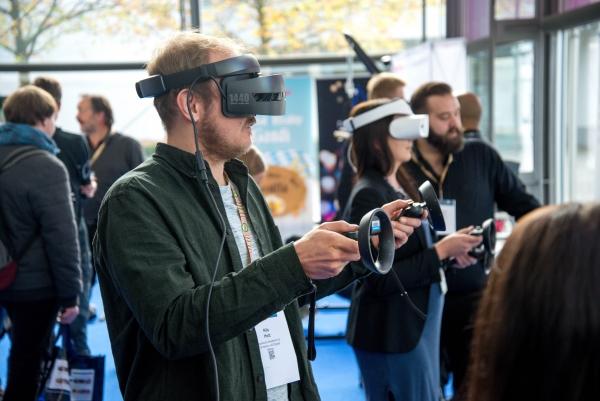 Reality and Virtual Reality